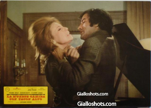 Death Walks in High Heels Spanish lobby card #10
